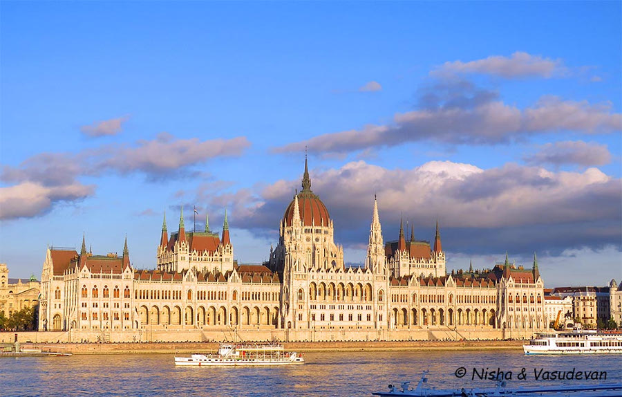 Budapest - Hungary is a famous European destination for couples. Discover 40+ romantic getaways in Europe from this article. #romanticeurope #europe #valentinesday #love #citybreakseurope #romanticdestinations