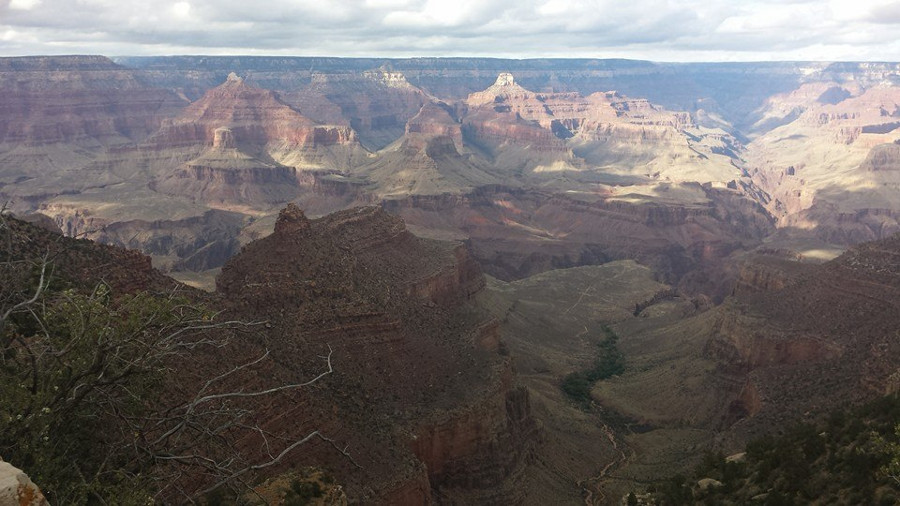 The Grand Canyon is a great romantic place to travel in the US. Discover 14 more romantic getaways in the USA recommended by travel bloggers from this article. #romanticus #usa #valentinesday #love #citybreaksus #romanticdestinations #romanticusa