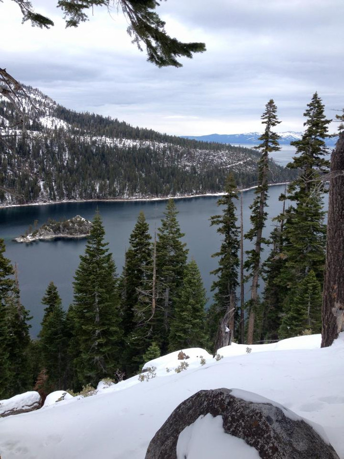 Lake Tahoe is one of America's most romantic vacation destinations. Discover the top 15 vacations for two in the USA recommended by travel bloggers from this article. #romanticus #usa #valentinesday #love #citybreaksus #romanticdestinations #romanticusa