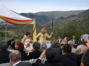 Ojai is a great wedding destination in the US. Discover the top romantic destinations for couples in the US from this article. #romanticus #usa #valentinesday #love #citybreaksus #romanticdestinations #romanticusa