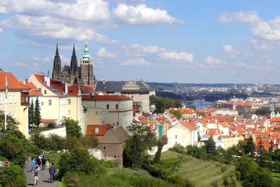 Prague, Czech Republic is one of the best romantic destinations in the world. Discover 40+ romantic vacations in Europe ideas from this article. #romanticeurope #europe #valentinesday #love #citybreakseurope #romanticdestinations