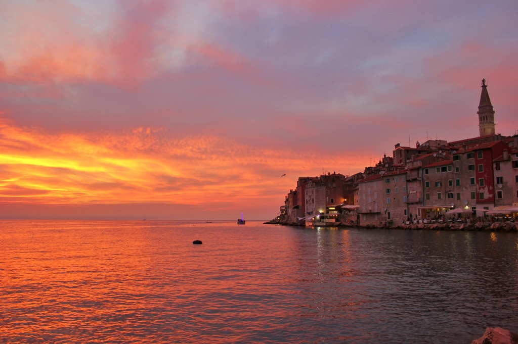 Rovinj, Croatia Sunset JetSettingFools.com - read this article to discover 43 romantic vacation ideas for couples in Europe. #romanticeurope #europe #valentinesday #love #citybreakseurope #romanticdestinations