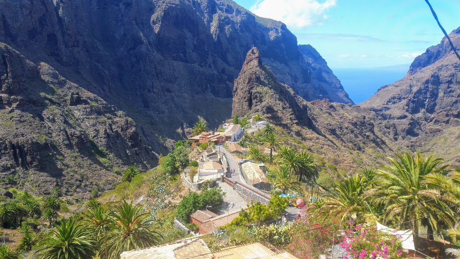 Tenerife, Spain place to spend romantic holidays in Europe. Read this article and see 43 romantic vacations in Europe. #romanticeurope #europe #valentinesday #love #citybreakseurope #romanticdestinations
