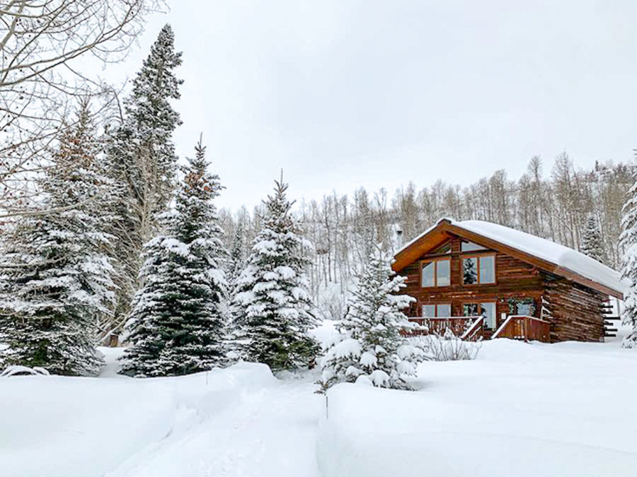 Vista Verde Cabin - romantic getaway in the US, take a trip to Steamboat Springs in Colorado. Discover 15 romantic vacations in the US ideas from this article. #romanticus #usa #valentinesday #love #citybreaksus #romanticdestinations #romanticusa