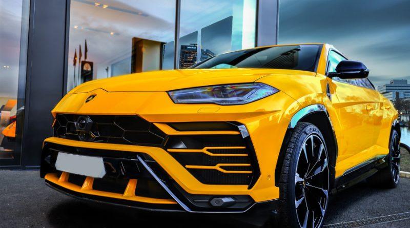 Rent a luxury car in Europe from Driverso - Lamborghini Urus
