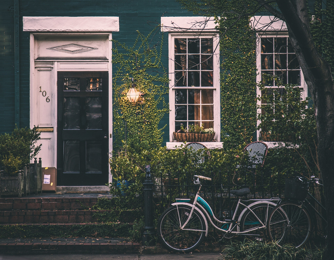 Home security: things to do before leaving for vacation #vacation #holiday #safety