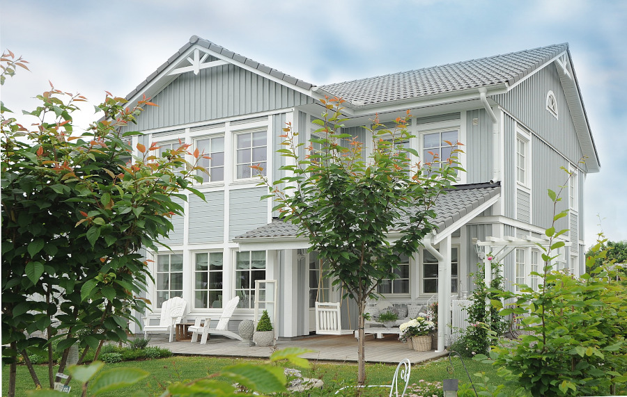 Tips to keep your home safe while on holiday #house #safety #vacation