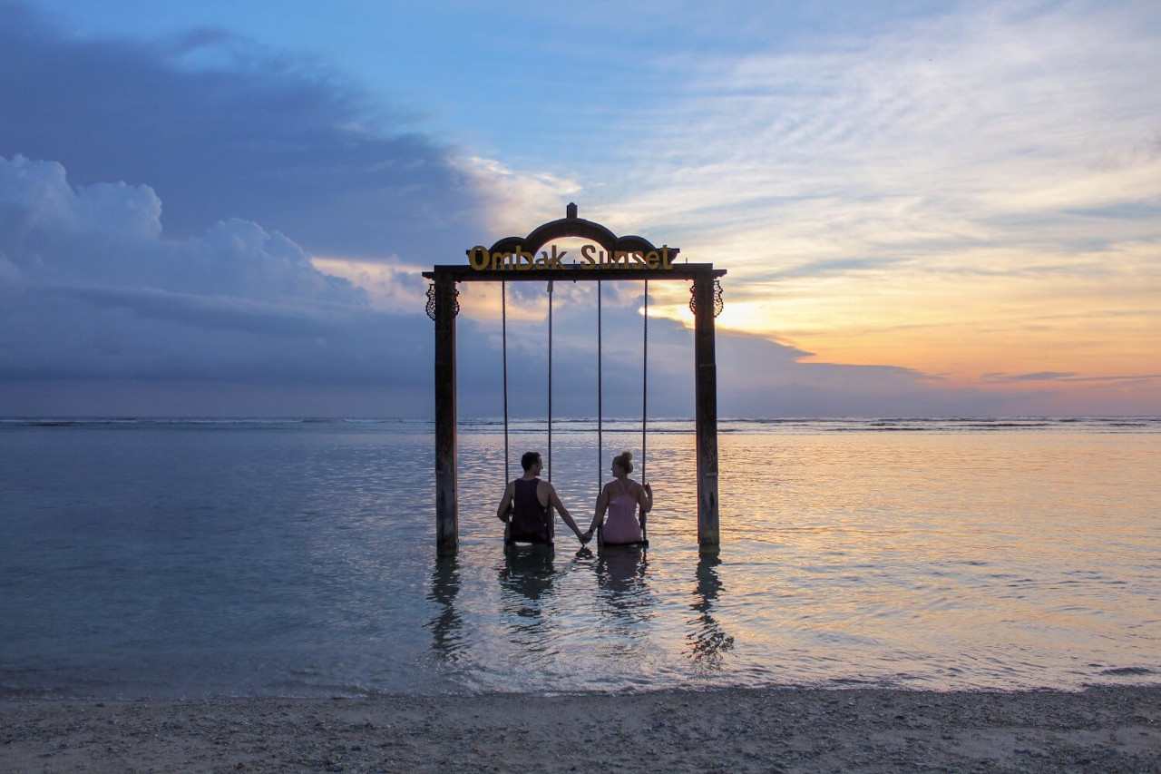Gili islands, swings. All you need to know before going to Bali and the best things to do in Bali, Indonesia are included in this article. Read it now.