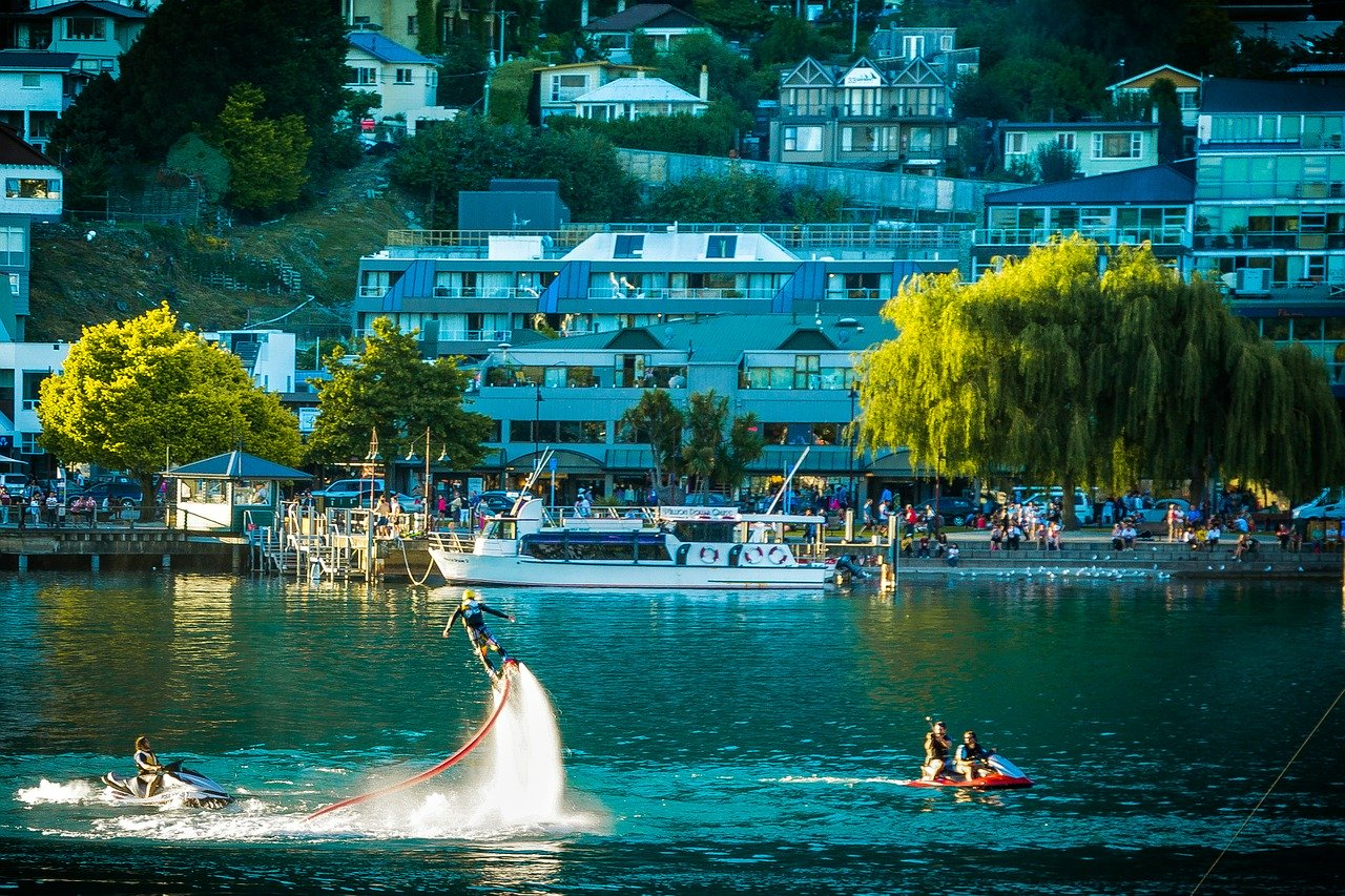 Queenstown is one of the best places to visit in New Zealand's South Island. Discover the top things to do in New Zealand's South Island as well as NZ tips for South Island.