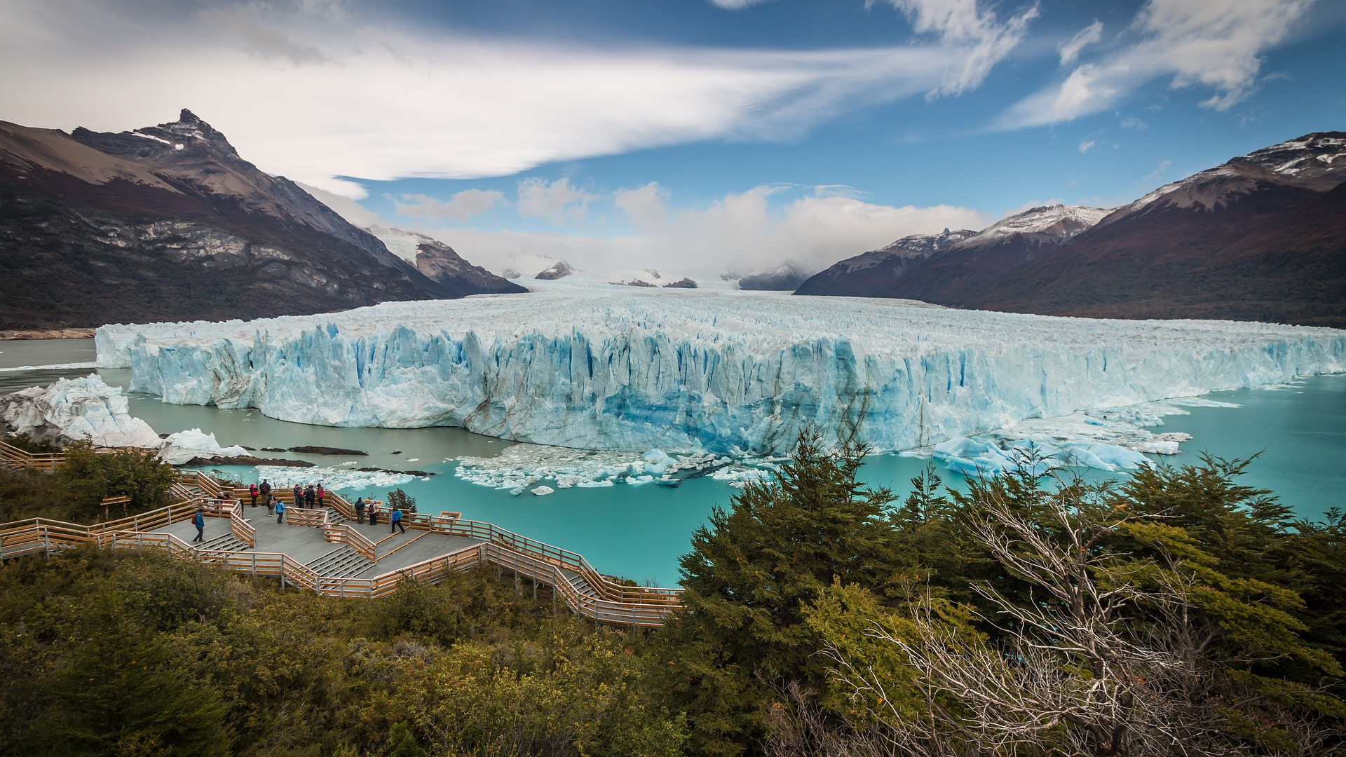 Perito Moreno, Patagonia, Argentina. Here are 3 fun places to visit in Patagonia, Argentina. The best Argentinian Patagonia activities