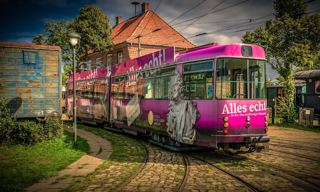 7 Top Advantages of Public Transport for Travellers. Discover why you should use public transportation on your travels