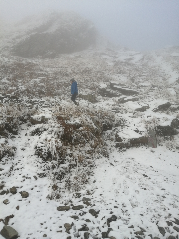 Snow and fog at Balea Lake on the Transfagarasan road. Read this guide to the Transfagarasan to discover the best things to do on the Transfagarasan trip